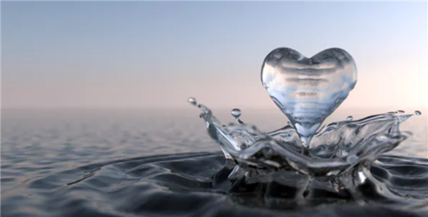 heart made of water